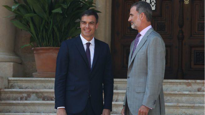 Pedro Sánchez junto al Rey Felipe VI antes de la recepción en el Palacio de Miravent, en Palma. Foto: Europa Press