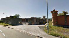 Fachada de la puerta principal de la cárcel de Basauri (Vizcaya).