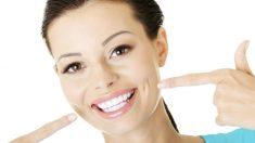 Cómo lavarse los dientes si te has olvidado el cepillo de dientes
