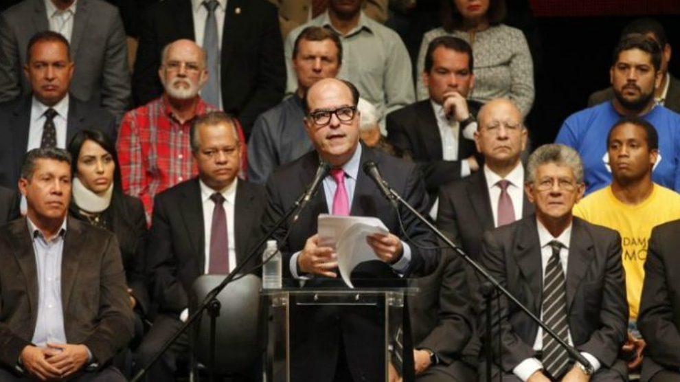Reunión de la oposición venezolana, con dirigentes como Julio Borges y Henry Ramos-Allup. (ENP)