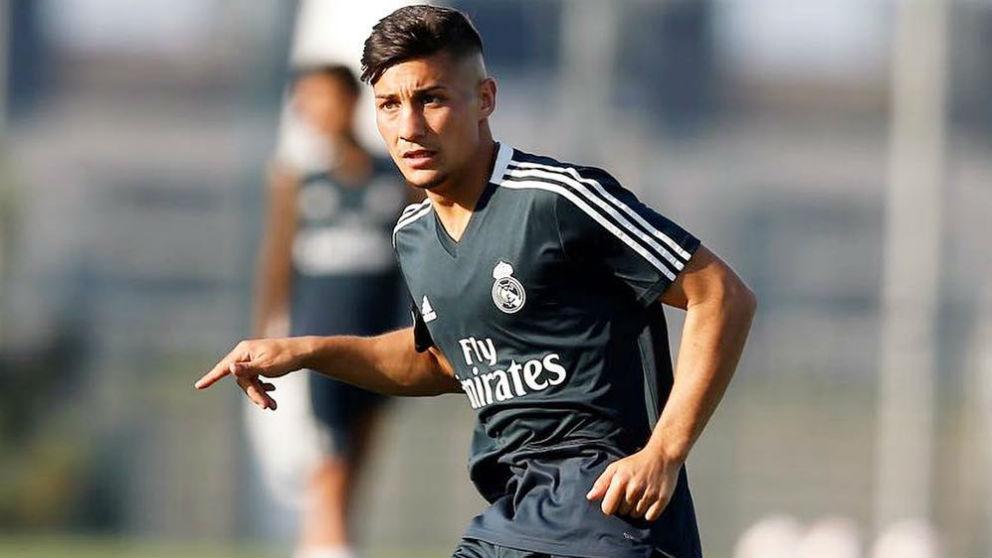 Óscar Rodríguez, durante un entrenamiento. (Realmadrid.com)