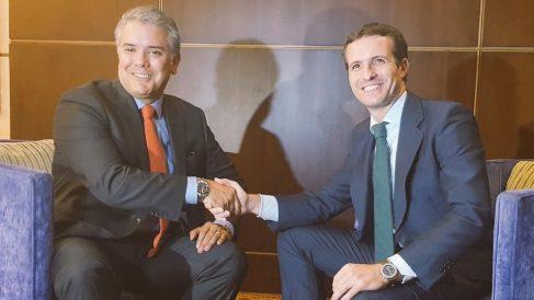 Pablo Casado reunido con el nuevo presidente de Colombia, Iván Duque. Foto: Twitter