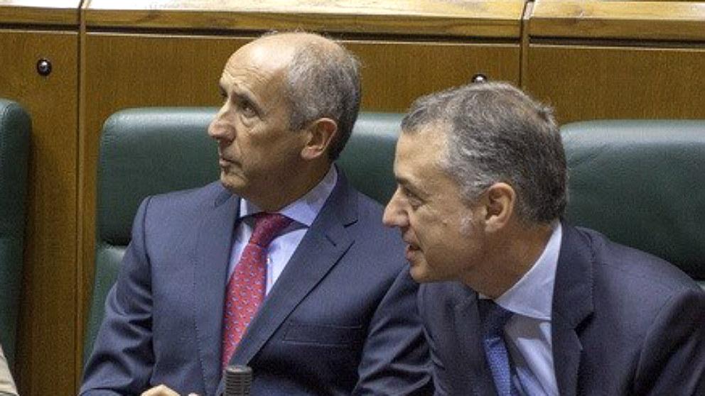 El lehendakari Iñigo Urkullu y su portavoz, Josu Erkoreka. (EP)