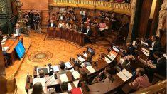 Salón de plenos del Ayuntamiento de Barcelona. (EP)