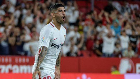 Ever Banega celebra su gol durante el Sevilla – Zalgiris. (EFE)