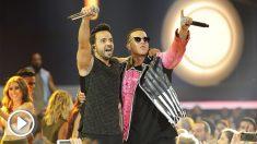 Luis Fonsi y Daddy Yankee. (Foto: AFP)