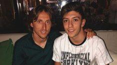 Luka Modric y César Gelabert. (@ces11gelabert)