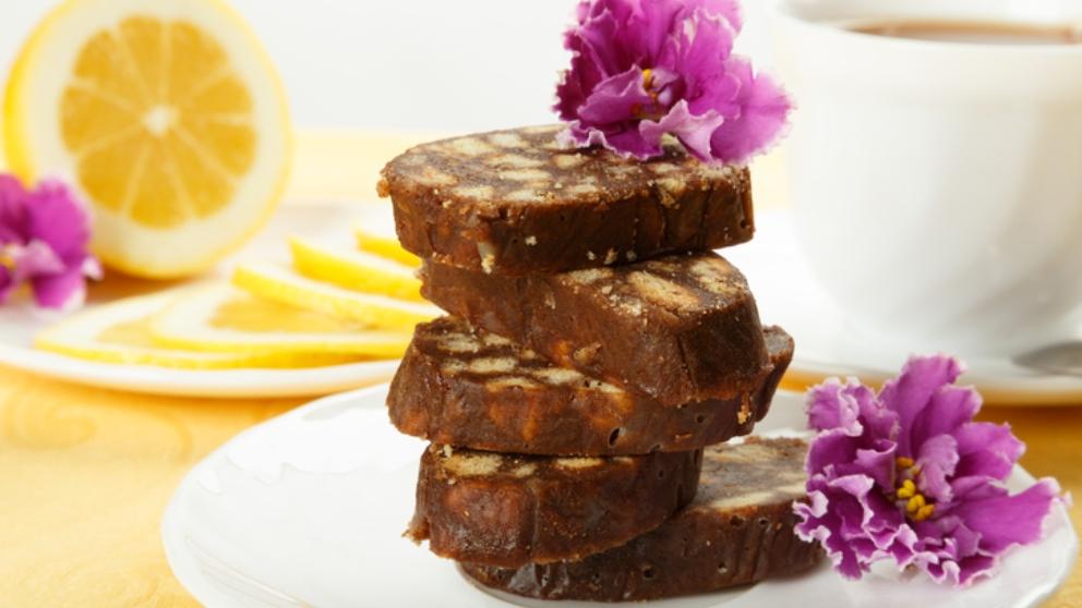 Receta de bizcocho de chocolate y nueces, un dulce extraordinario