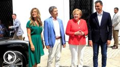 Merkel y su marido junto a Pedro Sánchez y su esposa (Foto: EFE).