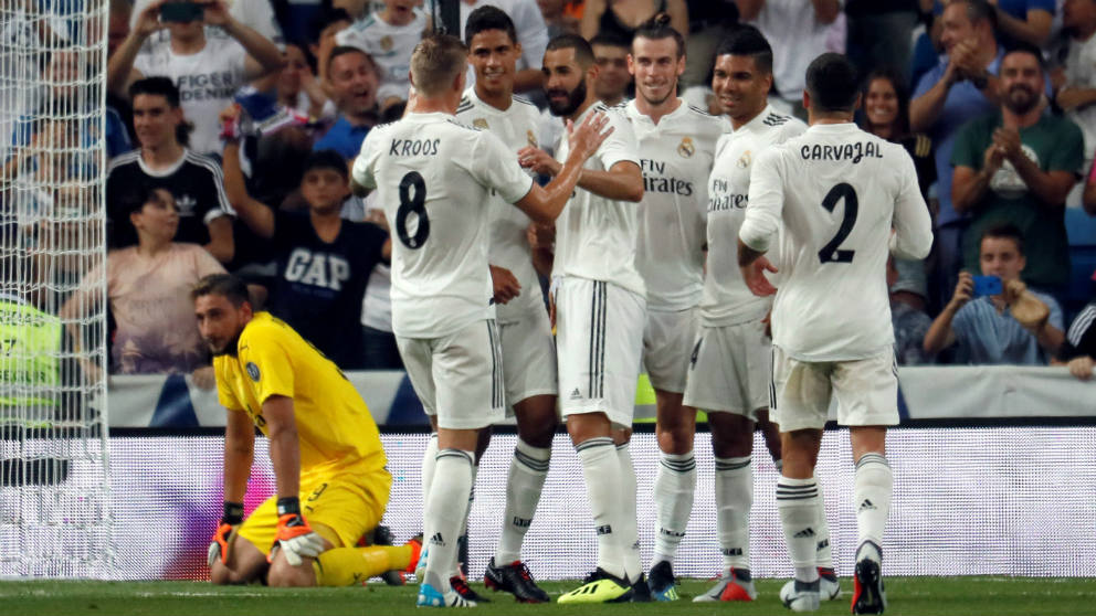 Los jugadores del Real Madrid celebran un gol ante el Milan. (EFE)