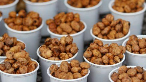 Las chufas destacan por su contenido en fibra, carbohidratos, vitaminas y minerales, y grasas buenas.