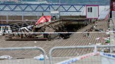 """El desplome de una pasarela de madera durante una de las actuaciones del festival de deporte y cultura urbana """"O Marisquiño"""" que se celebra en Vigo (Pontevedra) ha causado más de 300 heridos. Foto: EFE"""
