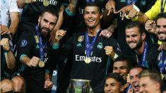 Cristiano Ronaldo celebrando la Supercopa de 2017, en la que fue suplente (Getty).