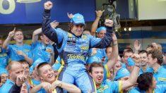 Fernando Alonso, tras proclamarse campeón del Mundo de Fórmula 1 en 2005. (AFP)