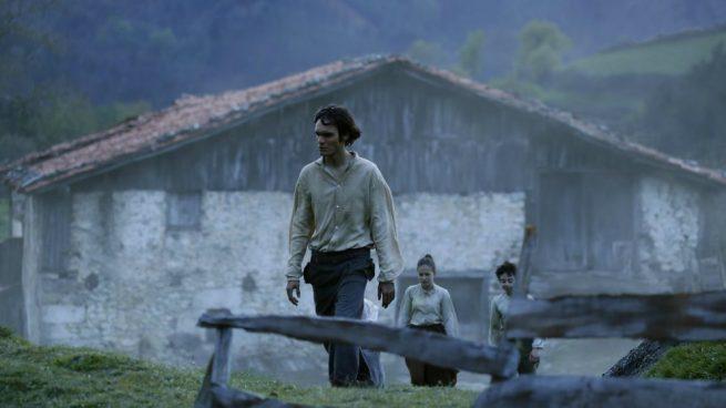 Eneko sagardoy, ganador del Goya a mejor actor revelación, caracterizado como el gigante de Alzo, protagonista de 'Handia'.