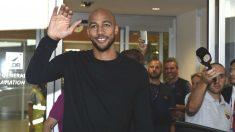 Nzonzi, a su llegada al aeropuerto de Roma.
