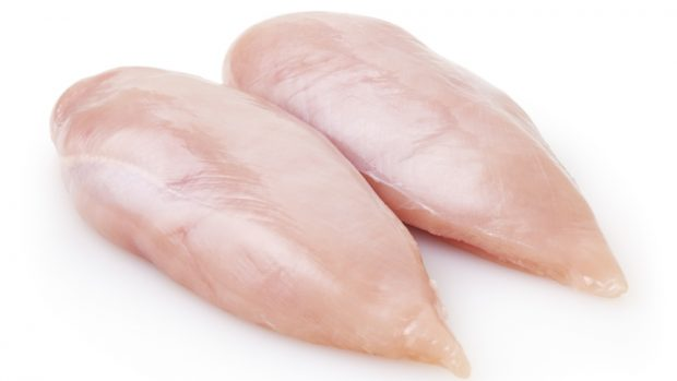 Pollo al curry con anacardos, receta rápida y fácil