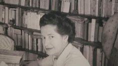 La escritora, dramaturga y poeta Carmen Conde.