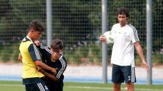 Raúl, dirigiendo su primera sesión como técnico del Cadete B del Real Madrid.