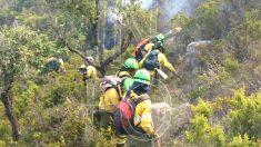 Los servicios de emergencias en el incendio (Foto: EUROPA PRESS).