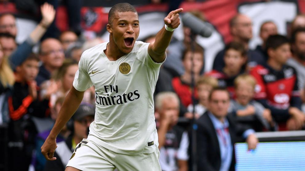 Mbappé celebra la remontada del PSG. (AFP)