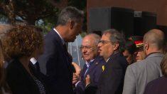 Quim Torra se encara a Xavier García Albiol minutos antes de que comience el homenaje a las víctimas del atentado de Cambrils.