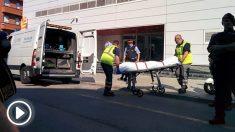 Retiran el cadáver del atacante de la comisaría de Cornellà (Foto: EP)