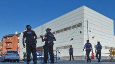 La comisaría de Mossos atacada en Cornellá de Llobreat (Barcelona)