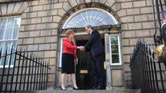 Nicola Sturgeon, ministra principal de Escocia, recibe a Quim Torra en Bute House. (TW)
