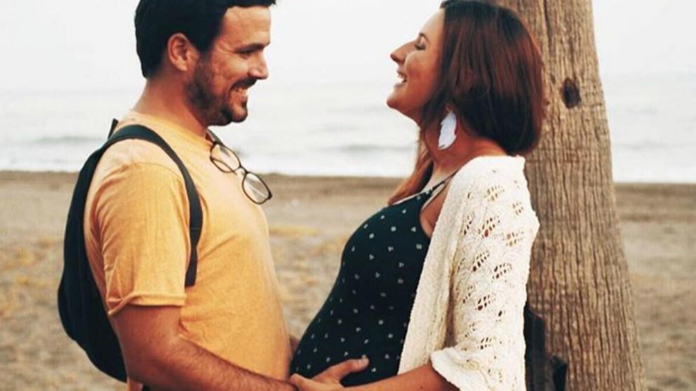 Alberto Garzón da a conocer el sexo y el nombre del bebé que espera su mujer