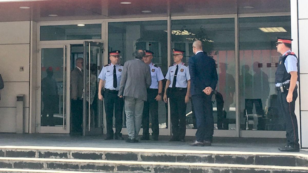 Torra y Buch visitan una Comisaría de los Mossos d'Esquadra (Foto: Europa Press).
