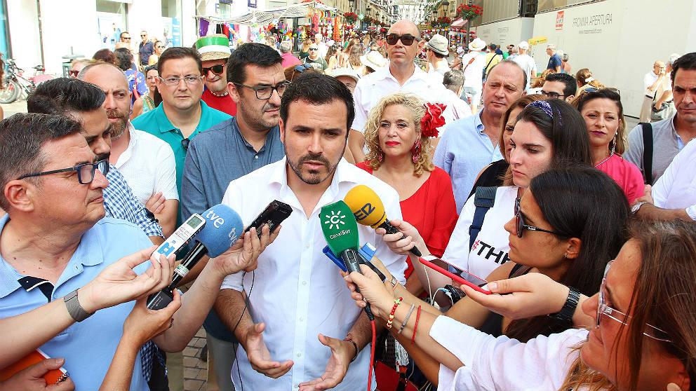 Alberto Garzón, líder de IU, de vacaciones en Málaga. (EP)