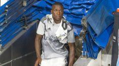 Vinicius Junior, saliendo de los vestuarios del Santiago Bernabéu. (@vini11Oficial)