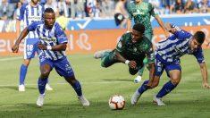 El Alavés y el Betis empataron en Medizorroza. (EFE)