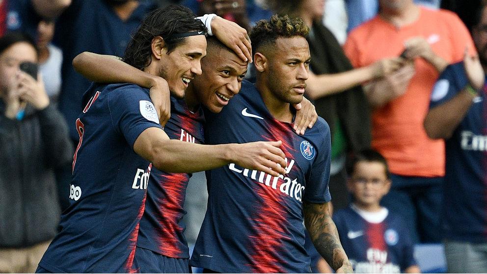 Cavani, Mbappé y Neymar fueron los goleadores del PSG ante el Angers. (AFP)