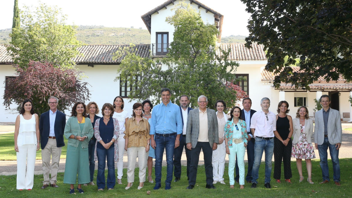 El Gobierno tras la reunión a la que Sánchez ha llegado en helicóptero (EP).