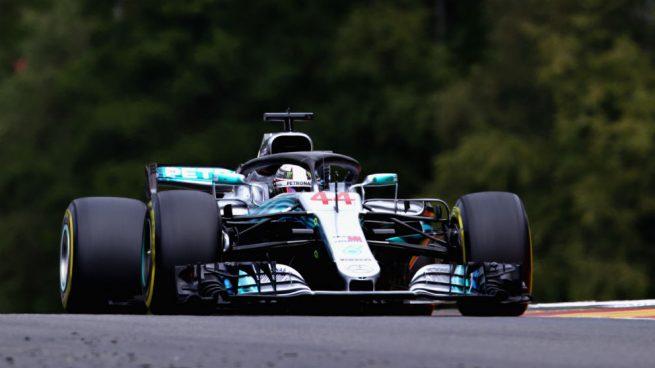 La lluvia 'regala' la pole a Hamilton en un nuevo fracaso de McLaren