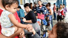 Venezolanos huyen a Ecuador por la grave crisis provocada por Maduro. (Foto: AFP)