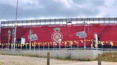 El estadio del Girona lucirá este domingo lazos amarillos ante la visita del Real Madrid