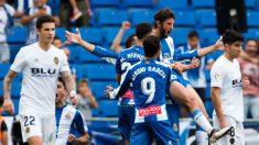 Los jugadores del Espanyol celebran el gol de Granero ante el Valencia. (Getty)