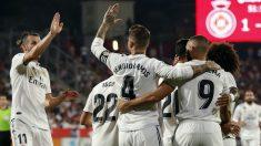 Los jugadores del Real Madrid celebran un gol al Girona. (AFP)
