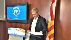 Alberto Fernández, líder del PP en el Ayuntamiento de Barcelona. (EP)