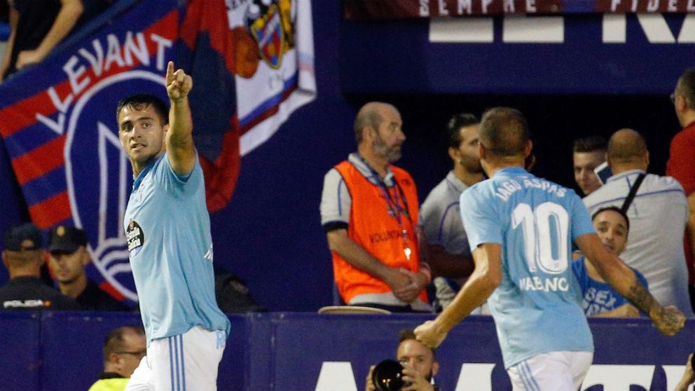Maxi Gómez celebra su gol en el Levante – Celta. (EFE)