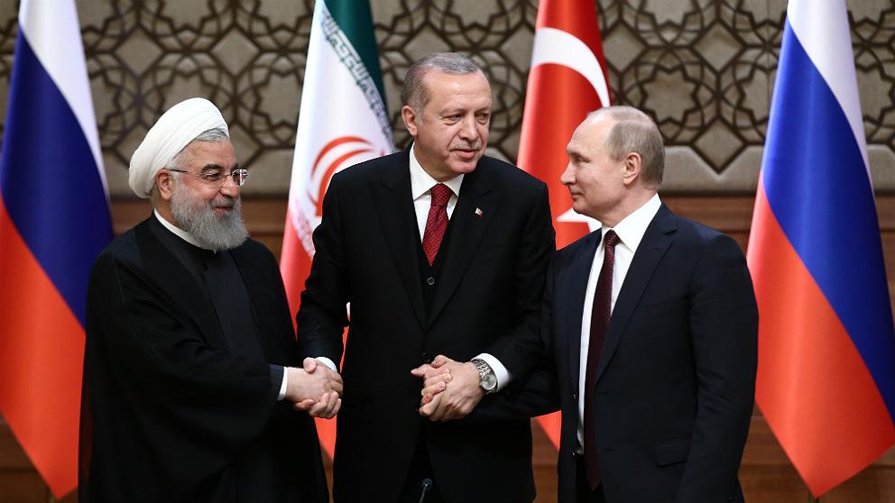 Hasan Rohani, Recep Tayyip Erdogan y Vladimir Putin, en su cumbre de Ankara. (Getty)