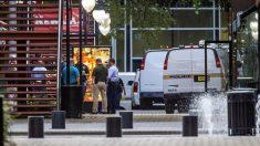 Policía en el centro comercial donde se produjo un tiroteo en Florida (Foto: AFP)