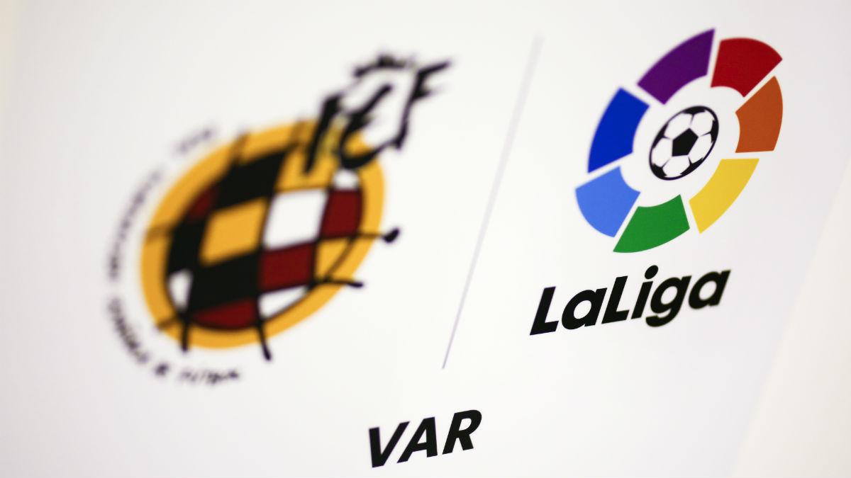 El VAR ha entrado esta temporada en funcionamiento en España (AFP).