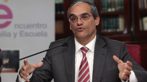 El consejero de Educación Rafael Van Grieken