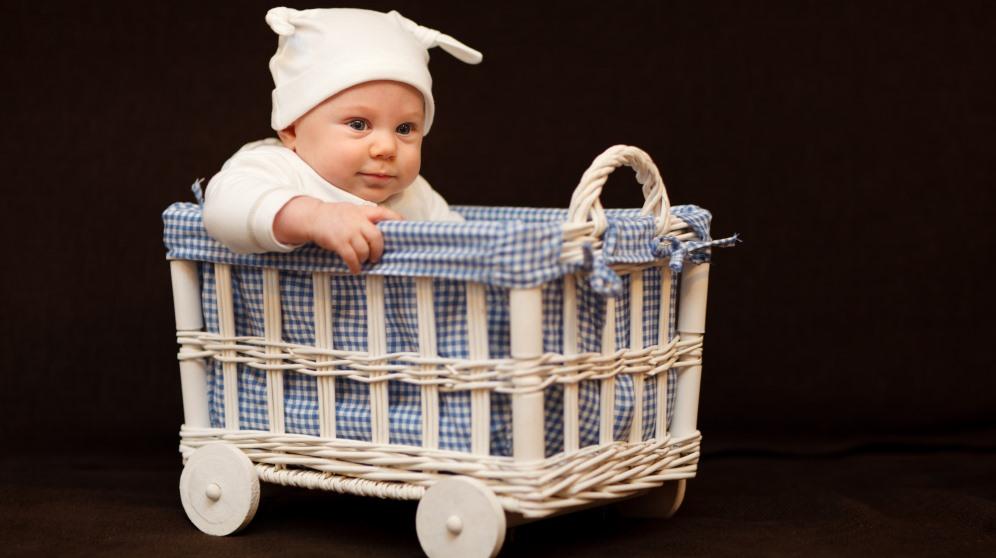 Cómo forrar cestas de mimbre
