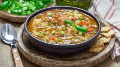 Receta de lentejas con pavo y verduras, un plato único con alma