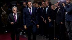 El Presidente de Chile recibe a Pedro Sánchez en la primera parada de su gira por latinoamérica. Foto: AFP